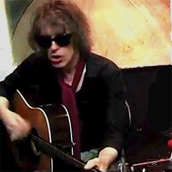 Video: The Waterboys – Mad As The Mist And Snow [Acoustic]