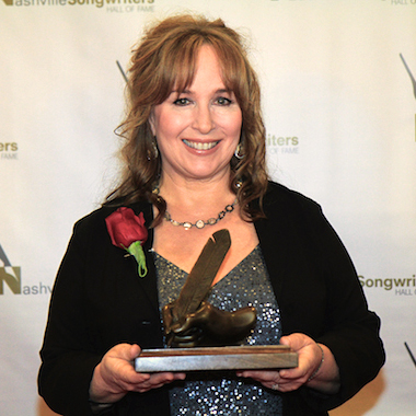 Gretchen Peters inducted into Nashville Songwriters Hall of Fame
