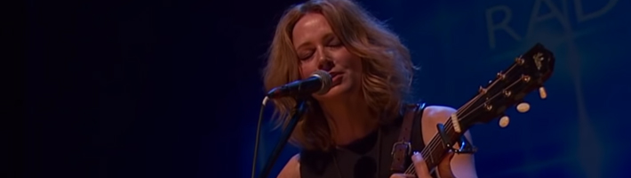 Watch: Allison Moorer – Wish I (Live at Celtic Connections 2015)