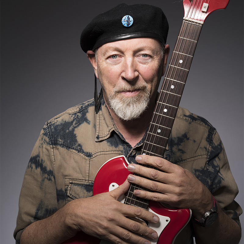 Richard Thompson's New Album Charts At No. 10